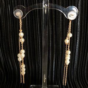 Vintage Jewelry - Pearl drop earring in gold